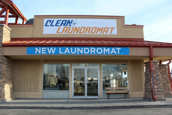 Blackfoot laundromat - front of the building